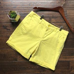 GAP canary yellow khaki shorts sz 6 EUC